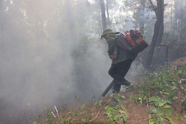 Vì sao không huy động trực thăng dập đám cháy rừng kinh hoàng tại Hà Tĩnh? - 7