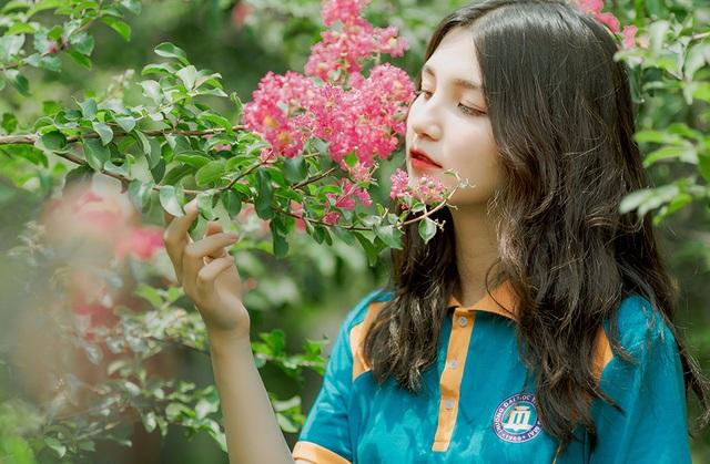 Hot girl trường Thương mại gia cảnh thuần nông chăm kiếm tiền để tự vươn lên - 2