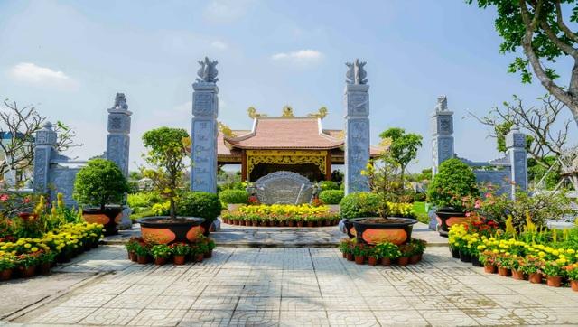 Hoa Viên Bình An tặng khách hàng xe ôtô và 100 cây vàng - 1