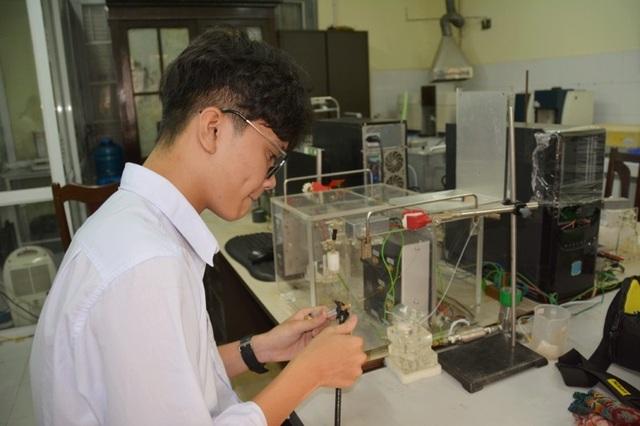 Nam sinh 16 tuổi sở hữu loạt giải thưởng nghiên cứu khoa học ấn tượng - 2
