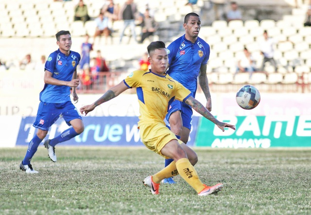 Ngược dòng đánh bại SL Nghệ An, Quảng Nam vào tứ kết cúp quốc gia - 1