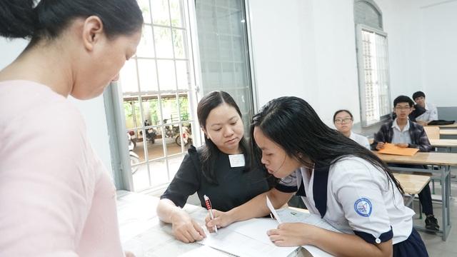 Bình Thuận: Chỉ có một bài thi môn Ngữ Văn đạt 9 điểm - 1