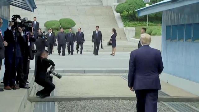 Bước chân lịch sử của Tổng thống Trump trên lãnh thổ Triều Tiên - 3