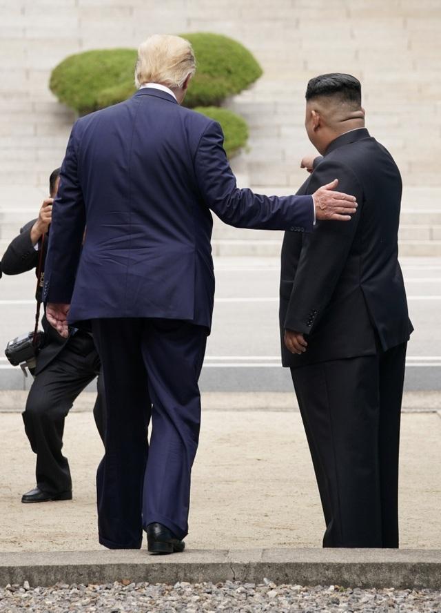 Bước chân lịch sử của Tổng thống Trump trên lãnh thổ Triều Tiên - 5