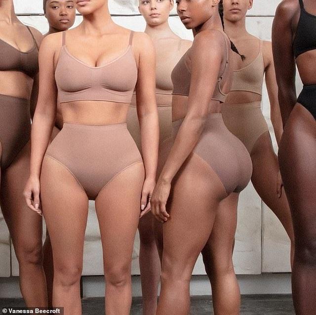 """Đặt tên trang phục nội y là """"Kimono"""", Kim Kardashian nhận thư ngỏ từ thị trưởng Nhật Bản - 4"""