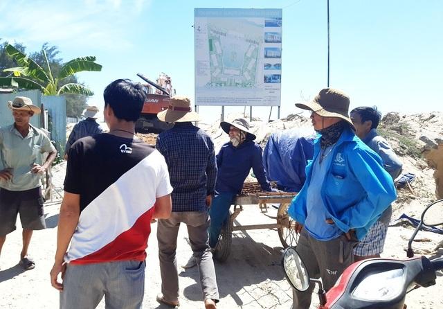 Người dân phản đối dự án du lịch bịt lối ra biển