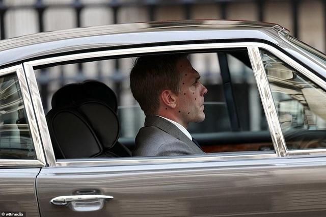 Điệp viên 007 Daniel Craig tái xuất lịch lãm trên phim trường - 5