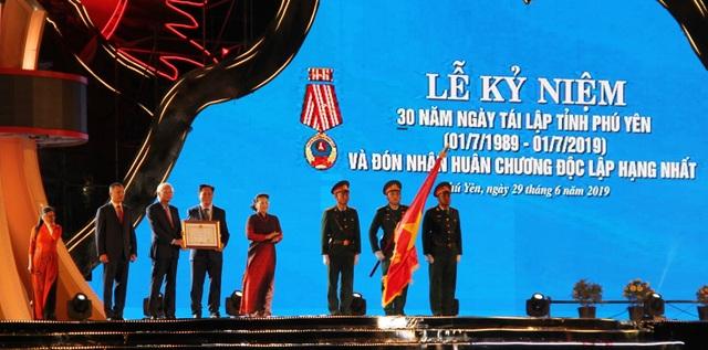 Phú Yên đón nhận Huân chương Độc lập hạng Nhất - 5