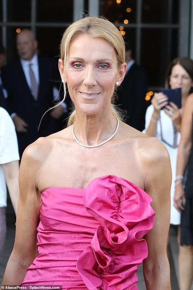 Celine Dion sành điệu đi xem thời trang - 4