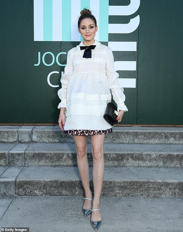 Celine Dion sành điệu đi xem thời trang - 15