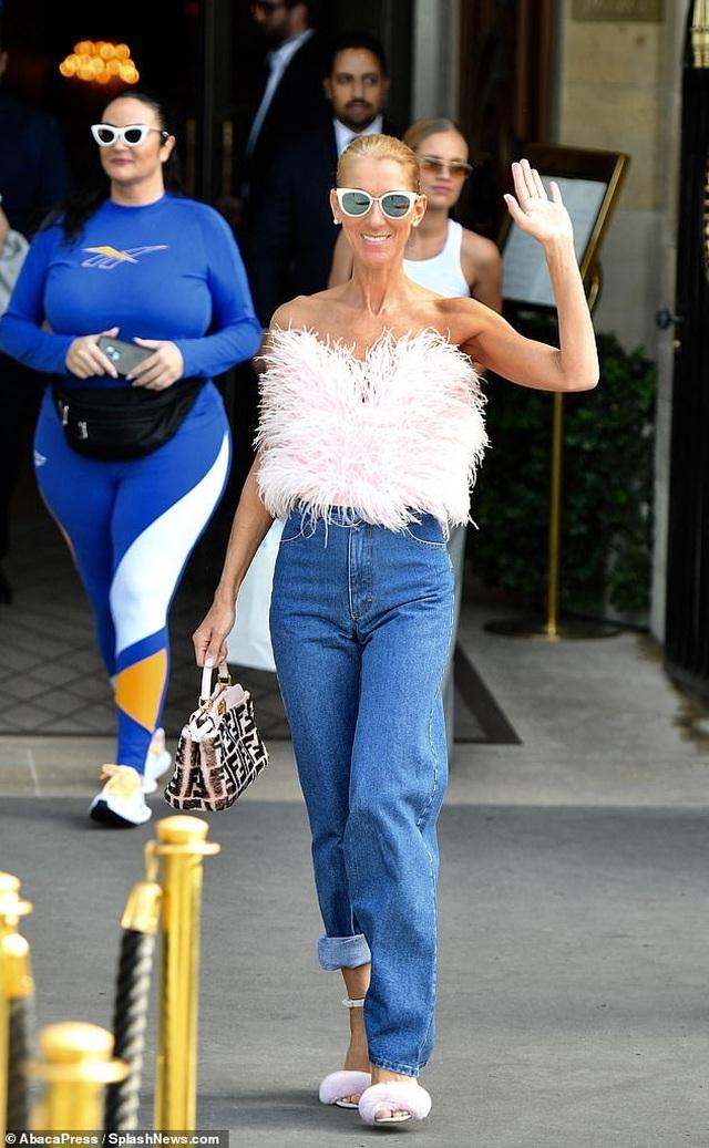 Celine Dion khoe chân dài với váy ngắn - 10