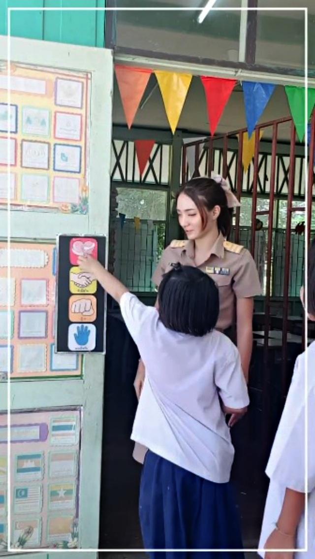 Cô giáo người Thái Lan xinh tựa thiên thần - 2