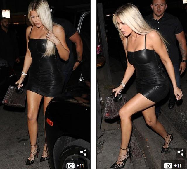 Chị em nhà Kardashian đua nhau diện váy chật ních - 8
