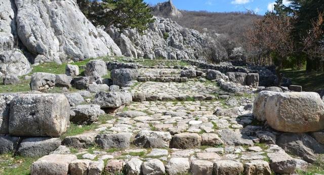 Bí ẩn các tác phẩm chạm khắc thời kỳ đồ đồng ở Thổ Nhĩ Kỳ - 1