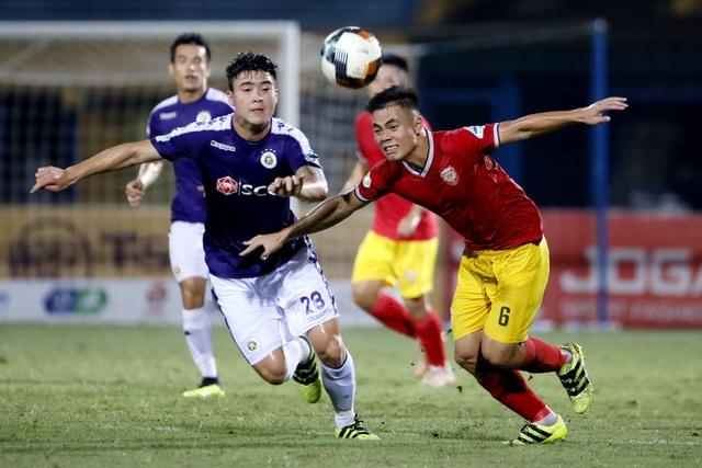 CLB Hà Nội và B.Bình Dương dễ dàng vào tứ kết cúp quốc gia - 1