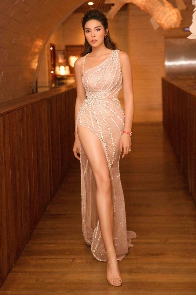 """Hoa hậu Kỳ Duyên gây choáng với phát ngôn: """"Mẹ sinh ra vốn dĩ đã đẹp sẵn"""" - 1"""