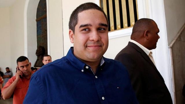 Mỹ trừng phạt đích danh con trai ông Maduro, cấm làm ăn với DN Mỹ - 1