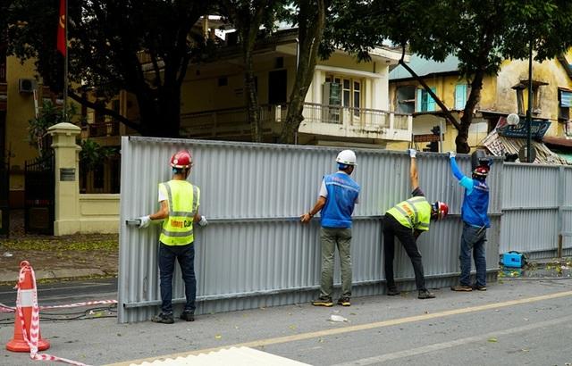 Hà Nội: Rào chắn đường Trần Hưng Đạo để thi công ga tàu điện ngầm - 5