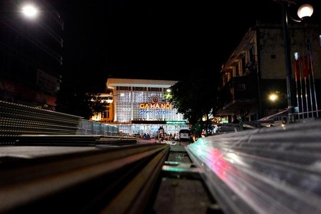 Hà Nội: Rào chắn đường Trần Hưng Đạo để thi công ga tàu điện ngầm - 9