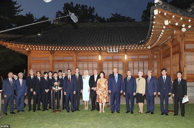 Ái nữ nhà Trump phấn khích khi gặp nhóm nhạc thần tượng Hàn Quốc - 7
