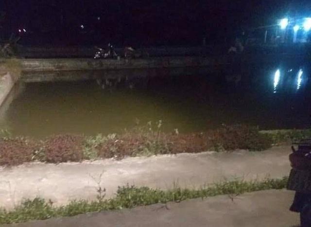 Xót xa 3 cháu bé đuối nước ngay dưới ao nhà ông nội - 1
