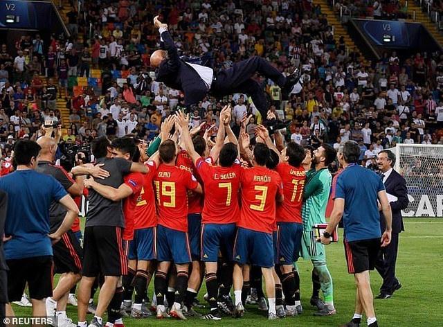 Thắng U21 Đức, U21 Tây Ban Nha lên ngôi vô địch U21 châu Âu - 13