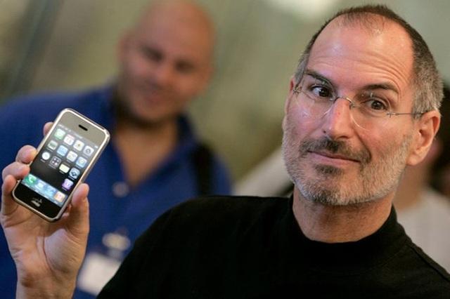 """Jony Ive rời Apple vì Tim Cook quá """"tẻ nhạt""""? - 5"""