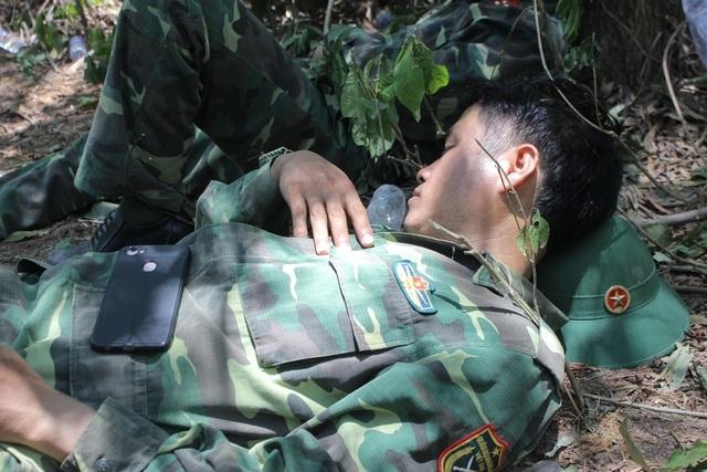 Toàn cảnh hơn 3 ngày đêm cháy rừng tràn lan ở Hà Tĩnh - 8