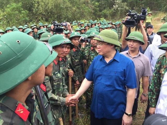 Vì sao không huy động trực thăng dập đám cháy rừng kinh hoàng tại Hà Tĩnh? - 5