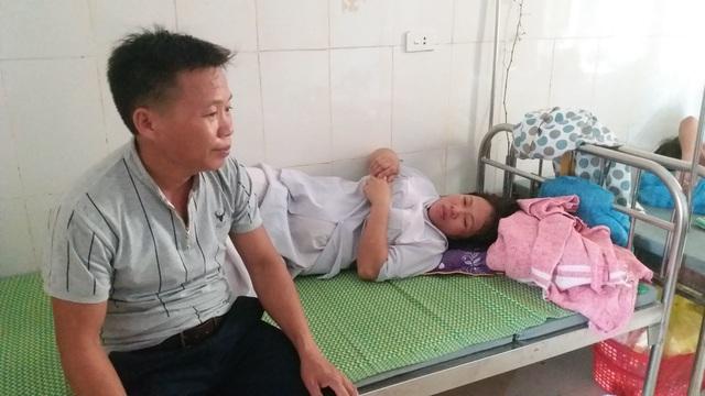 Bất thường bé sơ sinh tử vong với vết thương dài trên cổ - 1