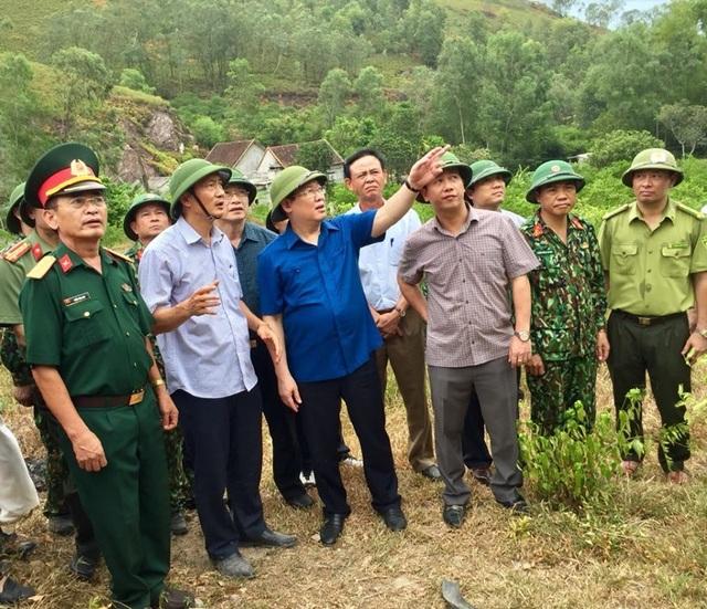 Vì sao không huy động trực thăng dập đám cháy rừng kinh hoàng tại Hà Tĩnh? - 2