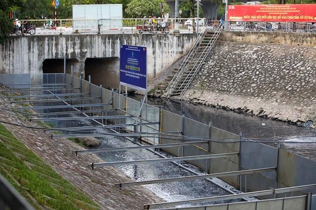 Hà Nội: Máy làm sạch sông Tô Lịch được đưa lên bờ bảo dưỡng - 7