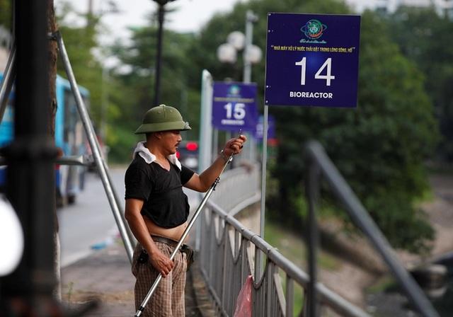 Hà Nội: Máy làm sạch sông Tô Lịch được đưa lên bờ bảo dưỡng - 8