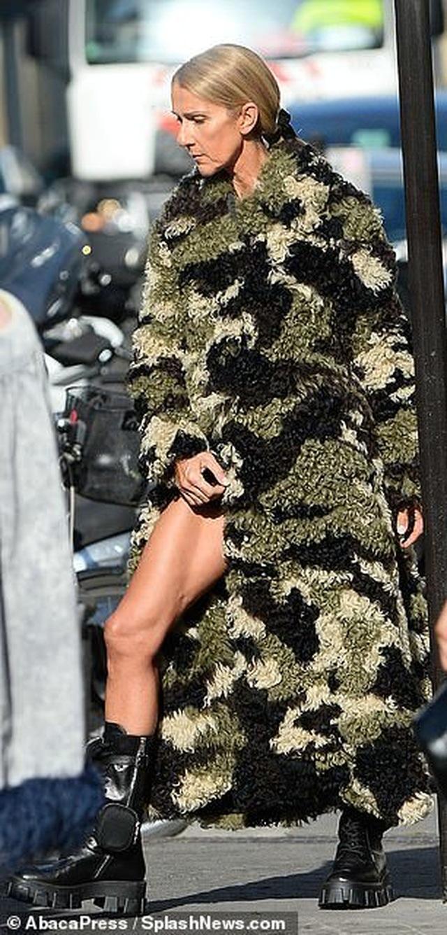 Celine Dion thay loạt trang phục sành điệu chụp hình thời trang trên phố - 10