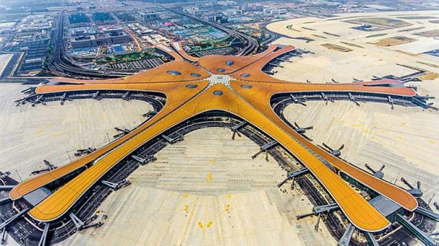 Sân bay lớn nhất thế giới ở Trung Quốc rộng gấp 63 lần quảng trường Thiên An Môn - 1