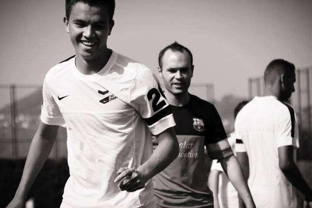 Tiền vệ gốc Việt từng ăn tập ở Barcelona sang CH Séc thi đấu - 1
