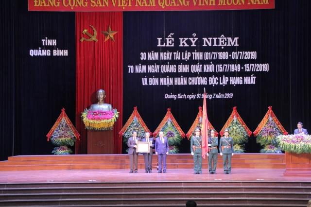 Quảng Bình đón nhận Huân chương Độc lập hạng Nhất dịp kỷ niệm 30 năm tái lập tỉnh - 4