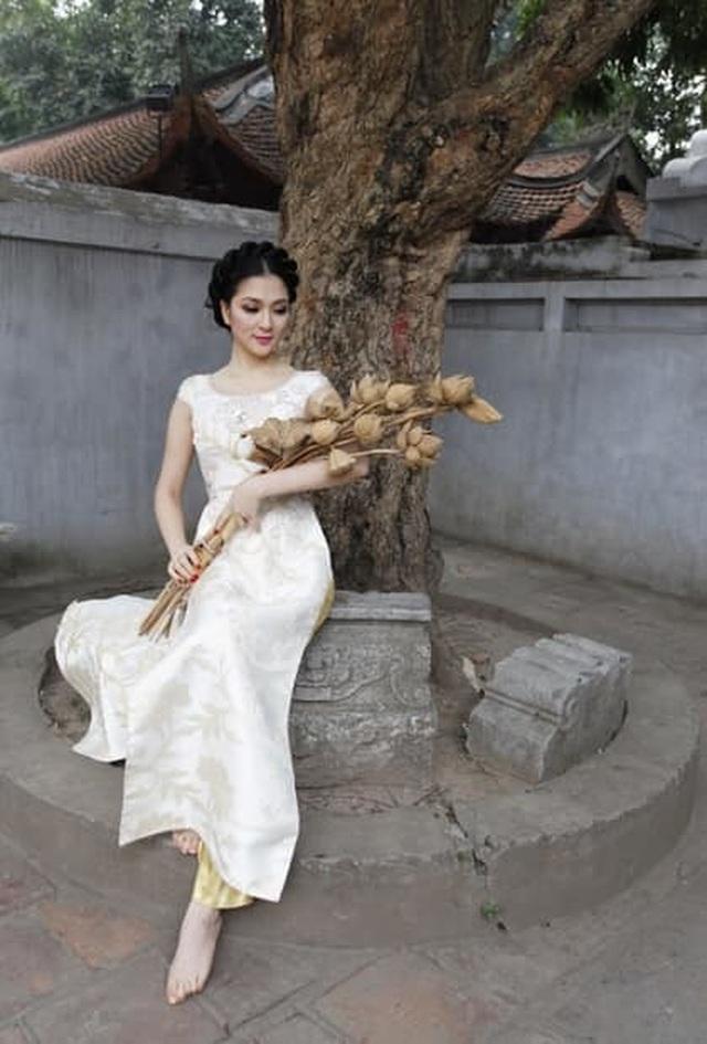 """Hoa hậu Nguyễn Thị Huyền khoe """"ảnh độc"""", hé lộ mối duyên với NSƯT Minh Vượng - 9"""