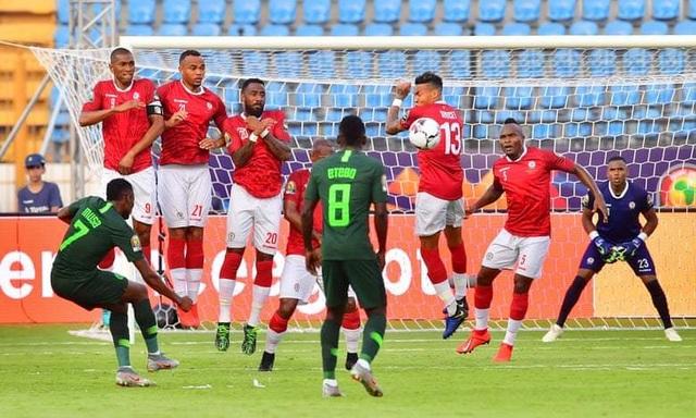 CAN 2019: Nigeria thua sốc trước Madagascar, Ai Cập thắng dễ Uganda - 1