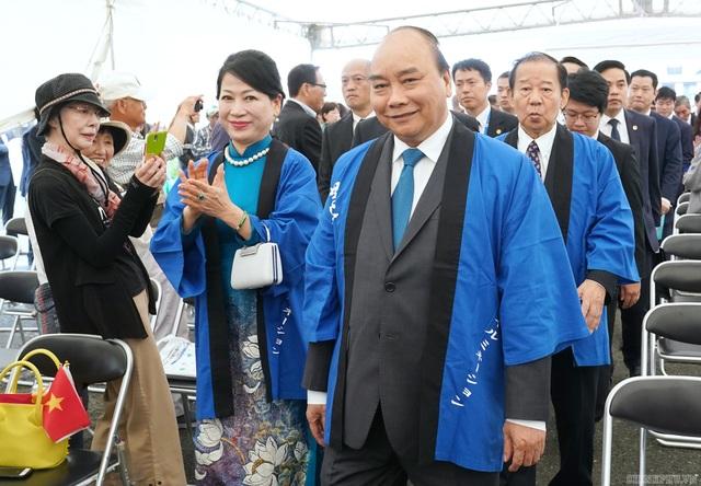 Thủ tướng mượn ca dao về hoa sen để nói tình thân sâu sắc Việt - Nhật - 1