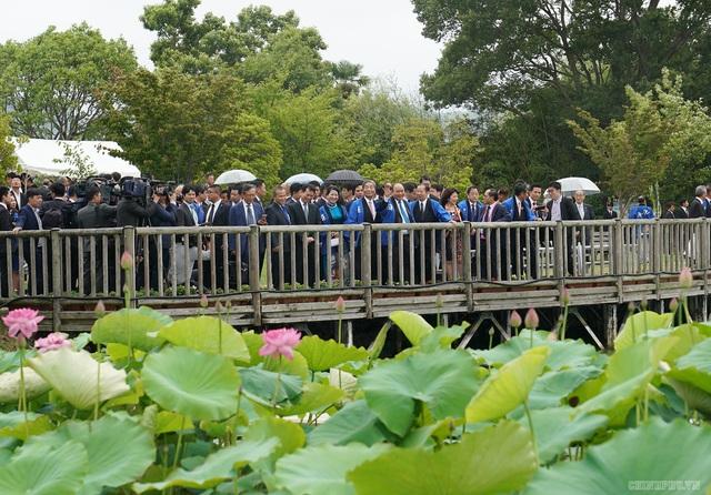 Thủ tướng mượn ca dao về hoa sen để nói tình thân sâu sắc Việt - Nhật - 2