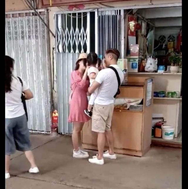 Quách Phú Thành đưa vợ trẻ đi chơi sau khi sinh con gái thứ hai - 5