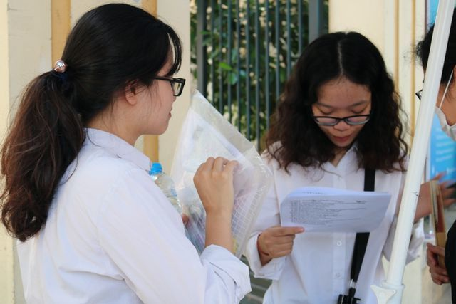 Môn tiếng Pháp - Đề thi và đáp án chính thức THPT quốc gia 2019 - 1