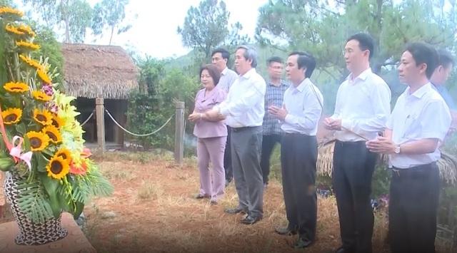 Phó Thủ tướng Trương Hòa Bình thăm và tặng quà gia đình chính sách tại Quảng Bình - 3