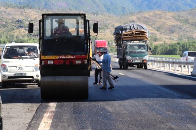 Cao tốc Đà Nẵng - Quảng Ngãi: Hết ổ gà lại đến thấm dột, lún - 2