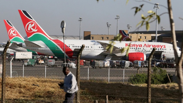 Hành khách đi chui thiệt mạng vì rơi khỏi máy bay tại Anh - 1