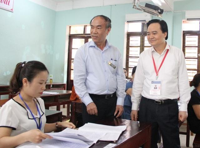 Bộ trưởng Phùng Xuân Nhạ kiểm tra công tác chấm thi tại Hà Giang - 1