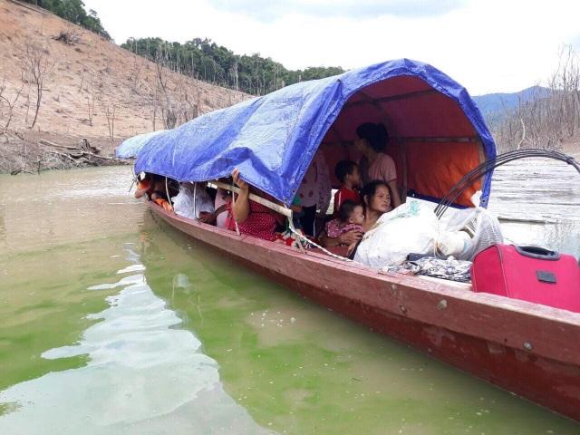 Hồ thủy điện lớn bậc nhất Bắc Miền Trung cạn trơ đáy, hoang tàn như vùng đất chết - 8
