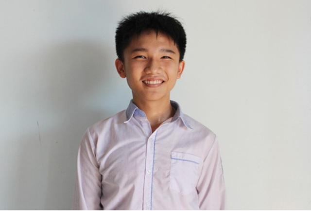 Cậu học trò miền quê cát trắng đỗ thủ khoa trường Chuyên Hà Tĩnh - 1