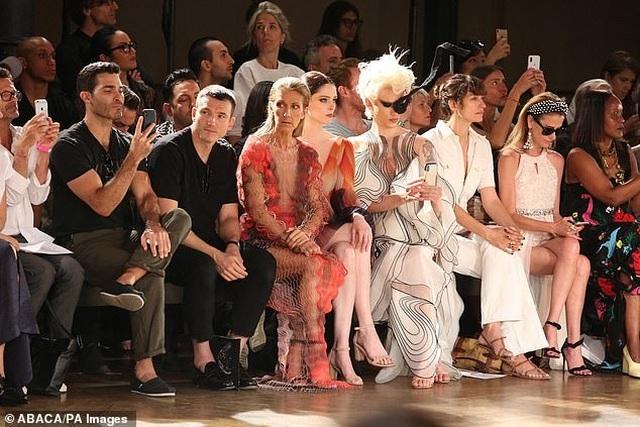Celine Dion nổi bật tại tuần lễ thời trang Paris - 9